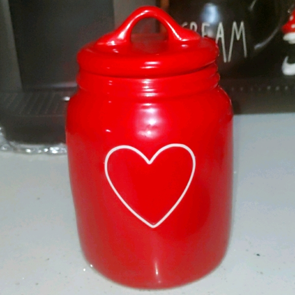Rae dunn with heart canister